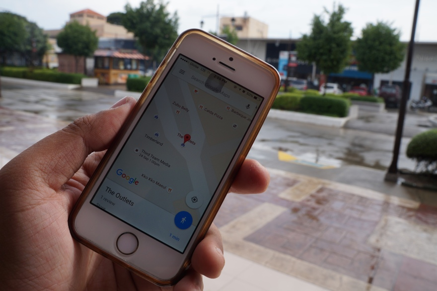 Local Guides adding local businesses on Google Maps