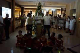 Lighting Ceremony with the Kids